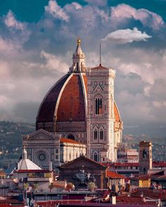 Enjoy Italy, Florence: an awesome city in Tuscany full of memorable art, architecture and more. Find out about the best Florence, Italy attractions with pictures. Italy Vacation, Italy Travel, Florence Tours, Florence Tuscany, Florence Art, Places To Travel, Places To Go, Toscana, European Travel