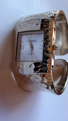1  WIDE Retired Design Wrist  Watch Gold por VINTAGEARTJEWELRY, $16.00