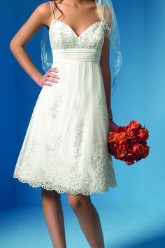 Knee-length wedding dress