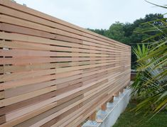 Fence Wall Design, Garden Wall Designs, Modern Fence Design, Front Yard Design, Patio Design, Garden Fence Panels, Garden Fencing, Backyard Fences, Wooden Fence