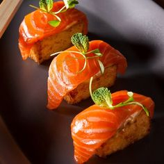 Sashimi Salmon with Crispy Sushi Rice, Chipotle Mayo and Ponzu! Simply delicious! @clbeischer @chefjgv #mercerkitchen #jeangeorges #Soho #newyork #nyc #lunch #dinner #brunch #lunchtime #lunchbreak #brunchtime #brunchdate #dinnertime #dinnerdate #newyorkeats #nyceats #food #foodporn #foodie #seafood