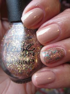 L'Oreal So Chic with Nicole by OPI A Gold Winter's Night accent nail