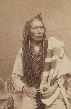 Pitikwahanapiwiyin (aka Pound Maker) - Cree - 1885