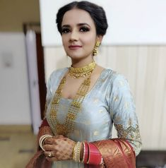 Gold Jhumka Earrings, Jewelry Design Earrings, Gold Jewellery Design, Jewlery, Gold Necklace, Gold Jewelry Simple, Gold Wedding Jewelry, Bridal Jewelry, Punjabi Traditional Jewellery