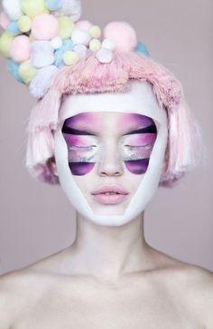 Make Up Inspiration // Looks // Tutorials / pink-purple-avant-garde-beauty-makeup