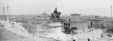 Piazza Venezia (1925) Rome, Old Photos, Paris Skyline, Louvre, Building, Travel, Twitter, Italia, Fotografia