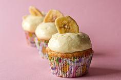 Banana cupcakes with vanilla pastry cream!
