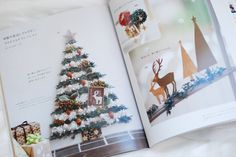 preserved flower Christmas decoration プリザーブドラワーで作る クリスマスの壁飾り 「渋沢英子のプリザーブドフラワーでつくる花小物」(朝日新聞出版)