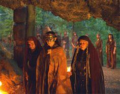 The mists of Avalon image Sci Fi Fantasy, Dark Fantasy, Mystic Fair, Mists Of Avalon, Michael Moorcock, Night Elf, King Arthur, Book Of Shadows, Great Movies