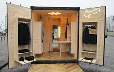 pop up store 63 Ideen Kleidung Display Popup erscheint Trees matter to the look of your home. Store Mobile, Mobile Shop, Visual Merchandising, Tienda Pop-up, Mobile Fashion Truck, Container Shop, Kiosk Design, Signage Design, Mobile Boutique