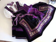 (1) FINN – Lilla beltestakk / bøstakk ønskes kjøpt. Folk Costume, Costumes, Hygge, Clothes, Norway, Character Creation, Oc, Embroidery, Mugs