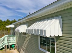 This kind of metal awning is definitely a very inspiring and outstanding idea Aluminum Patio Awnings, Metal Awnings For Windows, Window Awnings, How To Make Metal, Diy Awning, French Doors Patio, Entry Doors, Front Doors, Front Porch