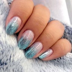 chk ig stories to learn how to glitter it up ✨#oliveyourmani nails: @cmoon.nails color match: @daily_charme metallic glitter