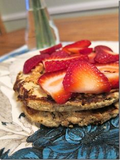 3-Ingredient Apple Cinnamon Pancakes