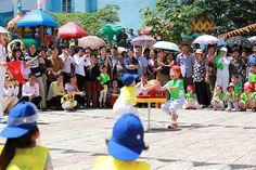 6. 1국제아동절을 즐겁게 보내는 어린이들 -《조선의 오늘》