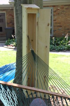diy outdoor projects Hammock Shed (aka Outdoor Storage Box): I wove my own hammock a few years ago and since then I've been very paranoid about leaving it out in the elements. Backyard Patio, Backyard Landscaping, Landscaping Ideas, Diy Outdoor Furniture, Outdoor Decor, Outdoor Hammock, Backyard Hammock, Patio Hammock Ideas, Dock Hammock