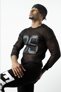 Try on this sporty, lightweight sweatshirt from fashion brand Glimms. Made from an advanced polyamide cotton honeycomb fabric mesh to ensure breathability and movement, it's something that you have never tried before. | www.differio.com Funky Clothing, Stylish Mens Fashion, Funky Outfits, Mens Activewear, Try On, Honeycomb, Fashion Brand, Active Wear, Menswear