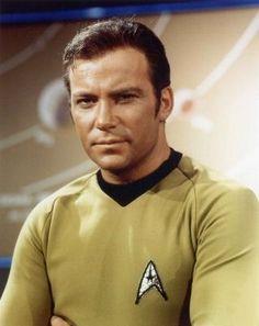 Captain James T. Kirk (William Shatner) - Star Trek: The Original Series Star Trek Crew, Star Trek Tv, Star Wars, Star Trek Original Series, Star Trek Series, James T Kirk, Star Trek 1966, Star Trek Captains, Yul Brynner