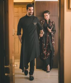 Shop angad bedi in black desgner kurta , freeshipping all over the world , Item code Wedding Kurta For Men, Wedding Dresses Men Indian, Wedding Dress Men, Punjabi Wedding, Wedding Outfits, Indian Weddings, Wedding Couples, Wedding Ideas, Mens Indian Wear