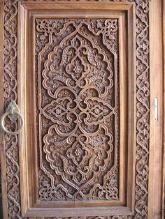 Carved doors in Uzbekistan Front Door Design Wood, Wood Design, Wood Carving Art, Wood Art, Islamic Patterns, Islamic Architecture, Old Doors, Architectural Elements, Wooden Doors