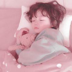 Cute Asian Babies, Korean Babies, Asian Kids, Cute Babies, Cute Little Baby, Little Babies, Cute Baby Pictures, Baby Photos, Ulzzang Kids