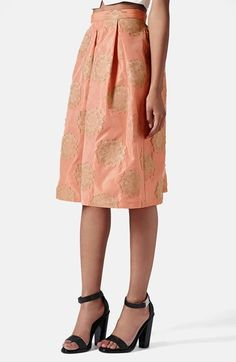 Free shipping and returns on Topshop Metallic Lace Jacquard Midi Skirt at Nordstrom.com. Vintage-inspired embroidered lace medallions glimmer against this lushly pleated jacquard midi skirt.