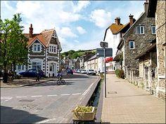 Devon - In Pictures - Beer Galleries Devon Uk, South Devon, Devon And Cornwall, Places To Travel, Places To Visit, Rocky Shore, English Village, Artist Journal, Dartmoor