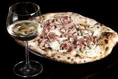 Maridajes perfectos: qué vinos beber para cada tipo de pizza