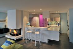 Residential apartment, Zurich Urban retreat – lots of colour, a stylish combination of antique furniture and modern design as well as a huge outdoor space turn the rooftop apartment to an oasis within the city. Best Interior, Antique Furniture, Living Spaces, Modern Design, Colour, Zurich, Hospitality, Rooftop, Oasis