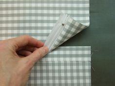 Schneller Reißverschluss - Anleitung: Für ein 40 x 40 cm großes Kissen schneidet ihr zu: Vorderteil: 41 x 41 cm Rückenteil A: 41 x 22 cm Rückenteil B: 41 x 25 cm