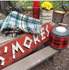 20 Ideas Vintage Camping Style Glamping For 2019 Vintage Picnic, Vintage Cabin, Decor Vintage, Campfire Marshmallows, Camping Style, Camping Gear, Camping Theme, Camping Cabins, Camping Places