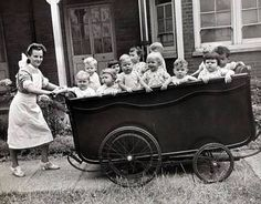 Tips All About Homeschooling Your Children Vintage Children Photos, Vintage Pictures, Old Pictures, Vintage Images, Old Photos, Landau Vintage, Vintage Pram, Photo Vintage, Prams