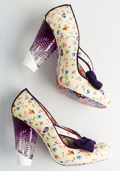 Irregular Choice Business is Blooming Heel. Celebrate a productive week by strutting your fabulous stuff in these buttery yellow pumps by Irregular Choice!