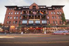 Hermitage Hotel, Great Deals, Bouldering, Nashville, Places To Travel, Mansions, House Styles, Boulder Colorado, Hotels