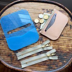 Trousse zippée base avec trous acrylique en cuir modèle Set