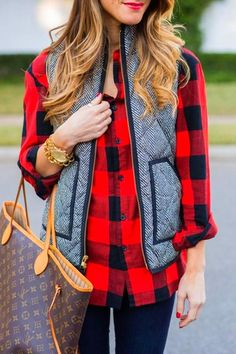 Vest style women Vintage Womens Quilted Herringbone Puffer Vest – sunifty Rainy Day Outfit For School, School Outfits, Outfit Of The Day, Plaid Outfits, Fall Outfits, Puffer Vest Outfit, Fall Plaid, Plaid Scarf, Knitwear