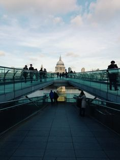 Millennium Bridge, London / photo by Laurelin