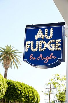 On our list of best places to eat out with kids in Los Angeles curated by Catherine McCord of Weelicious: Au Fudge, the perfect family spot by Jessica Biel | Cool Mom Eats