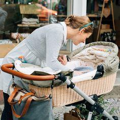Nützliches Zubehör für Ihren AngelCab Kinderwagen hilft Ihnen in Bewegung zu bleiben. Kindersitzadapter und vieles weitere finden Sie im AngelCab Shop.