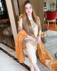 Pakistani Party Wear Dresses, Shadi Dresses, Pakistani Dress Design, Girls Dress Up, Little Girl Dresses, Fancy Wedding Dresses, Best Casual Dresses, Punjabi Fashion, Women's Fashion