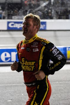 Clint Bowyer staying loose during a Mid-Race Rain Delay. - ugh, stop being so dang sexy!