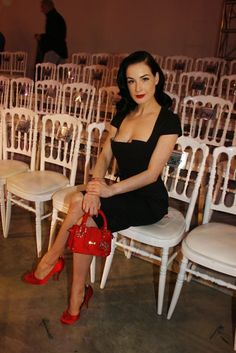 Simple and elegant.  Dita always said about women back in the day dressing to the nines every day.  She definitely follows it.