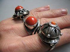 zdjęcie orno pierścień koral w pełnej rozdzielczości Bohemian Jewelry, Jewelry Art, Jewelry Design, Vintage Silver Jewelry, Silver Rings With Stones, Minerals And Gemstones, Signet Ring, Ring Bracelet, Jewelery