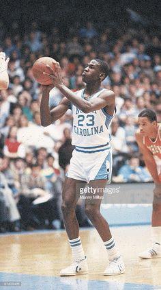 7c7f5a8d44cfb4 Michael Jordan playing for North Carolina Tar-Heels