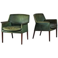 For Sale on - A pair of chairs by Danish designers Ejner Larsen and Aksel Bender Madsen. The chairs have wooden legs and a green leather upholstery and loose cushion. Balcony Table And Chairs, Wooden Dining Room Chairs, Living Room Chairs, Green Leather Chair, Leather Chairs, Tan Leather, Accent Chairs Under 100, Small Accent Chairs, Pedicure Chairs For Sale