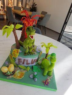 jungle Alice In Wonderland Cakes, Jungle Cake, Novelty Cakes, Little Boys, Cake Decorating, Daily Inspiration, Ideas, Toddlers, Jungle Theme Cakes
