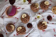 Délices de petite Mary: Špaldové muffinky s mascarpone čokoládovým krémom Muffins, Cupcake, Desserts, Food, Mascarpone, Tailgate Desserts, Muffin, Deserts, Cupcakes