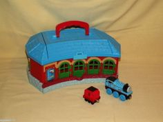 Thomas Tank Round House Tidmouth Sheds Engine Coal Tender Train Take Play Along