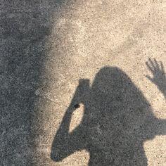 You're my heart shaker shaker~ Portrait Photography Tips, Shadow Photography, Girl Photography, Aesthetic Photo, Aesthetic Art, Aesthetic Pictures, Girl Shadow, Instagram Story Ideas, Instagram Posts