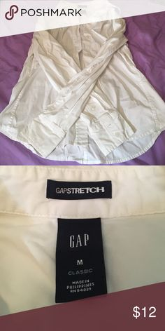 Gap long sleeve button up White. No stains. Long sleeve Gap button up. Gap Tops Button Down Shirts